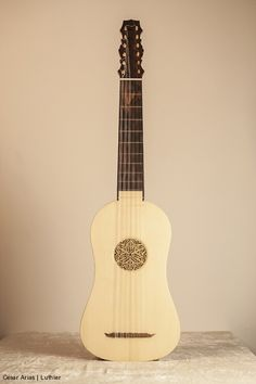 Vihuela en sol modelo propio - César Arias - Luthier