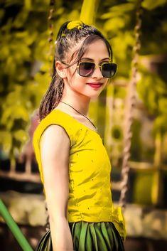 10 Most Beautiful Women, Most Beautiful Indian Actress, Beautiful Blonde Girl, Beautiful Girl Photo, Teenage Girl Photography, Girl Photography Poses, Stylish Girls Photos, Stylish Girl Pic, Bollywood Heroine Photo