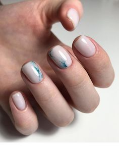 Catch the inspiration portion to a beautiful design manicure short nails! More than 50 ideas trendy manicure on short and very short nails Stylish Nails, Trendy Nails, Cute Nails, Short Nail Manicure, Gel Nails, Acrylic Nails, Perfect Nails, Gorgeous Nails, Gorgeous Makeup