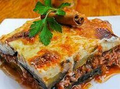 3 il piatto di chiama mussaka. Tipico greco a basa di melanzane buonissimo
