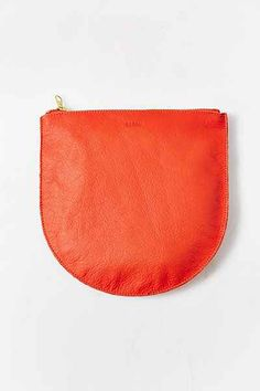 BAGGU Medium Leather Zip-Pouch - Urban Outfitters