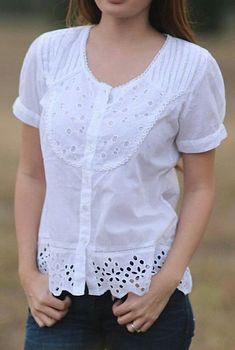 India Kashmir Imports White Eyelet Scoop Neck Button-Up Top Blouse And Skirt, Work Blouse, Blouse Patterns, Blouse Designs, Bluse Outfit, Dress Making Patterns, Linen Dresses, Fashion Outfits, Womens Fashion