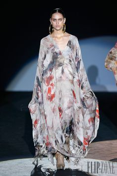 Roberto Verino Frühjahr/Sommer 2015 - Pret-a-porter - http://de.flip-zone.com/fashion/ready-to-wear/independant-designers/roberto-verino-4906