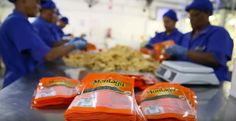 Montagu Snacks offers a range of sustainable sourced, tasty snacks locally produced in SA. Nutritious snacks ideal for the whole family. Nutritious Snacks, Yummy Snacks, Behind The Scenes, Packaging, Tasty, Wrapping