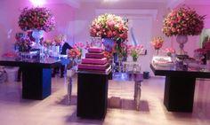 Festa da Debutante Giovanna realizada no Espaço Oscar Freire com linda decoração, confiram todos os detalhes.