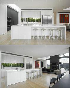 cuisine blanche et idée de fenêtre en longueur