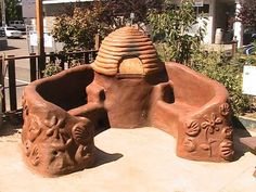 beehive cob oven with bench add in a tabletop and I'm game for this