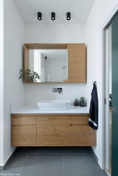 Small Bathroom Mirrors, Bathroom Vanity Designs, Big Bathrooms, Upstairs Bathrooms, Bathroom Design Small, Laundry In Bathroom, Bathroom Layout, Bathroom Interior Design, Modern Bathroom
