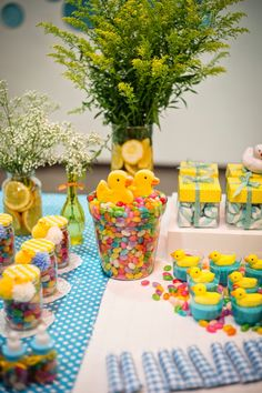 Baby Shower Desserts, Baby Shower Party Favors, Baby Party, Baby Shower Cakes, Baby Shower Themes, Shower Ideas, Ducky Baby Showers, Baby Shower Duck, Rubber Ducky Baby Shower
