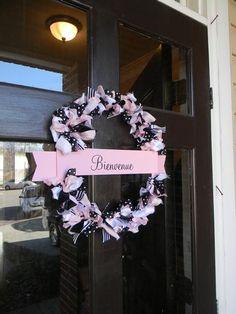 Paris theme welcome wreath [via hwtm.com]