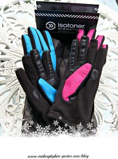 Isotoner Women's Active smarTouch Matrix Nylon THERMAflex gloves Review | http://makeupbykim-porter.com/2014/12/isotoner-womens-active-smartouch-matrix-nylon-thermaflex-gloves-review/