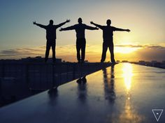 #rooftop #friendship #sun #friends #thehappylinks #photography