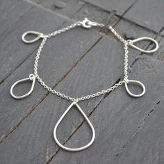Teardrop Bracelet. Gemwaith WYN Jewellery