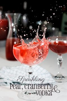 Sparkling Pear, cranberry & vodka cocktails. #Recipe #Drinks #Christmas
