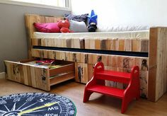 Children's pallet bunk bed. #recycled #wood #pallet Pallet Bunk Beds, Recycled Wood, Toddler Bed, Recycling, Graphic Design, Storage, Furniture, Home Decor, Child Bed