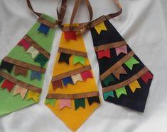 gravata-junina-arraia Malu, Safari, Glamour, Big Bows, Hillbilly Costume, Dog Bows, Arches, Dressmaking