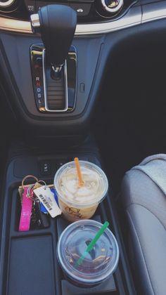 Preppy car. Instead of a Starbucks cup, I'll always keep a mason jar tumbler or a LP Lobstah Roll tumbled. ❤️❤️❤️