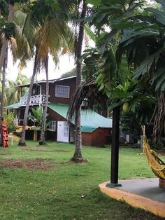 Only 800 metres from San Luis Beach, Posada Villa Verde - Paradis de Colors Ecolodge offers an extensive, tropical garden with a swimming pool. Smoking Room, Adult Children, Tropical Garden, Double Beds, Hostel, Outdoor Pool, Ground Floor, Terrace, Entrance
