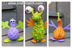 Gourd Aliens! Uses acrylic paint, craft foam, pipe cleaners and googly eyes. fun!