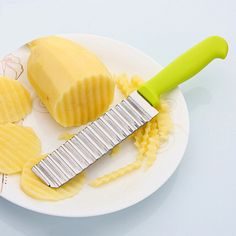 Professional potato chip cutter.Great for making fancy edges and waffle cuts on various fruits and vegetables.To make creative fancy vegetables, salad, carrot,potatoes or any other fancy delicacies.