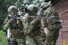 Russian Spetsnaz operatives during counter terrorism training. (1280x853)