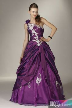 eceb012dc0b 94 Best RED HATTER GOWNS images in 2019