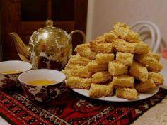 """Vă prezentăm astăzi o prăjitură rapidă și foarte simplu de preparat care se mai numește – prăjitura """"Karakum"""". Este un desert atât de fraged, că se topește în gură. Odată încercată, această prăjitură cu siguranță va deveni preferata familiei dvs! Vă invităm cu drag să o încercați! Ingrediente -200 g unt -1 pahar de zahăr …"""
