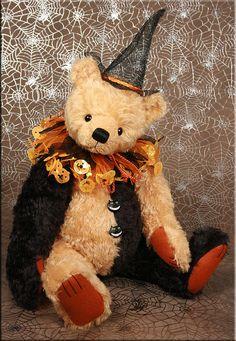 Nicketty Nakkety Noo  An original teddy bear design created by Paula Carter  www.allbear.co.uk