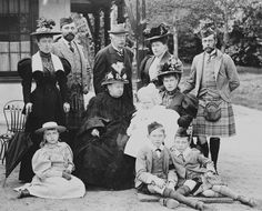 Queen Victoria with (l.) Pss Helena Victoria of Schleswig-Holstein; Prince Henry of Battenberg; Pss Henry of Battenberg; George, Duke of York; Pss Victoria Eugénie of Battenberg. Queen Victoria Children, Queen Victoria Family, Queen Victoria Prince Albert, Princess Victoria, Royal Uk, Royal King, Spanish Royal Family, British Royal Families, Royal Family Portrait