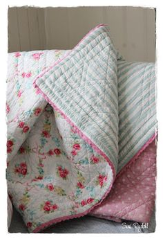 Floral Quilt ~ GreenGate