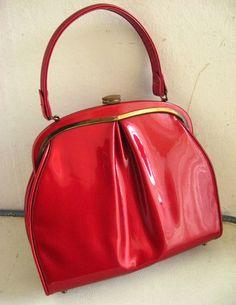 Alluring 1950's Vinyl Handbag