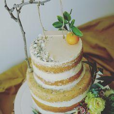 a truly naked cake for Zoe and her grandpa #nakedcake #bdaycake #odacasa