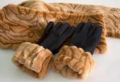 Set of fur gloves and scarf