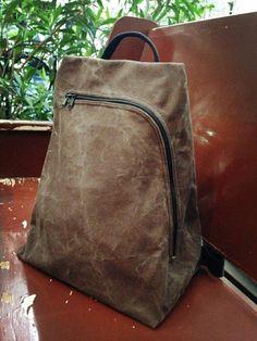 斜背包/後背包/兩用畚箕包/咖啡色/中性款 - MS_MOGU | Pinkoi