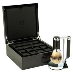 CARBON & ACCESSORY BOX Our elegant gift box highlights the hand-woven carbon fiber in this sleek shave set created with luce grey veneer from Italy and anigré wood from Tanzania.