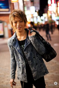 http://www.tokyofaces.com/wp-content/uploads/2011/11/tokyo-street-style-shibuya-host.jpg