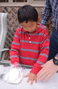 Try this classic blubber experiment (w/ scientific method) with your kids to learn about the adaptations Arctic animals have to protect them from the cold! Fun Learning, Teaching Kids, Educational Activities, Activities For Kids, Polar Animals, Science Fair Projects, Science Ideas, Animal Science, Animal Habitats