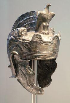 Concept Modeling For Metallic Sculpture : – Picture : – Description Roman parade helmet Roman Empire, Middle Franconia, Century AD -Read More – Rome Antique, Art Antique, Roman Artifacts, Ancient Artifacts, Gaule Romaine, Objets Antiques, Art Romain, Roman Helmet, Ancient Armor