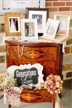 vinatge wedding photo dispaly ideas / http://www.deerpearlflowers.com/wedding-photo-display-ideas/