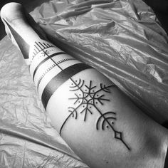 "#norse #nordicart #nordicblack #nordicdesign #viking #vikingtattoo #truenordic #polynesian #bindrune #rune #futhark…"""