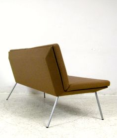 Pearson Lloyd; 'Kite' Sofa for Walter Knoll, 2003.
