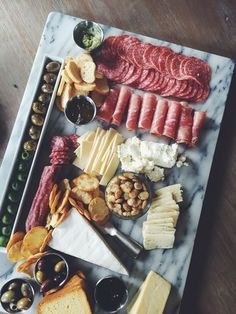 The perfect appetizer spread! Cheese & Charcuterie/grazing table (scheduled via … Food Platters, Cheese Platters, Cheese Table, Cheese Tray Display, Appetizer Table Display, Appetizers Table, Wedding Appetizers, Catering Display, Appetizer Plates