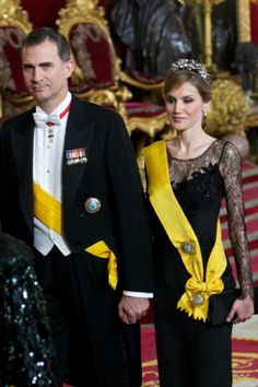 King Felipe VI of Spain Photos Photos - Prince Felipe of Spain and Princess Letizia of Spain attend a Dinner in honour of Mexican President Enrique Pena Nieto at The Royal Palace on June 2014 in Madrid, Spain. - Spanish Royals Host a Dinner Princess Of Spain, Prince And Princess, Royal Tiaras, Royal Jewels, Hollywood Fashion, Royal Fashion, Spanish Royalty, Estilo Real, Spanish Royal Family