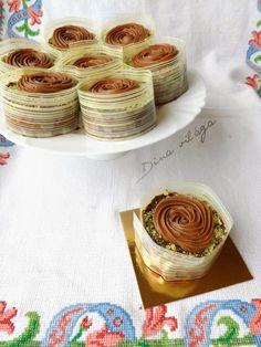 Mozart minitorta | Dina világa Hungarian Cake, Sweet Recipes, Muffin, Food And Drink, Treats, Snacks, Cookies, Drinks, Backen