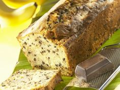 Bananenkuchen mit Schokostückchen ist ein Rezept mit frischen Zutaten aus der Kategorie Kastenkuchen. Probieren Sie dieses und weitere Rezepte von EAT SMARTER!