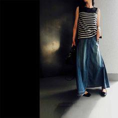 パリジェンヌみたいなボーダー&ワークキャップに、今日はパンツじゃなくて、デニムのスカート。艶のある素材と、色落ちしたラフなインディゴとのミックス感が好き。ふわふわっと揺れる裾のフレアーが可愛くて、たくさん動きたくなる感じです。