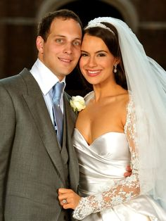 Lord Freddie Windsor poses with his bride Sophie Winkleman in the Base Court, minutes after their wedding in the Chapel Royal at Hampton Court Palace on September 2009 in Richmond upon Thames, England. - 35 of 42 Sophie Winkleman, Lord Frederick Windsor, Royal Wedding Gowns, Royal Weddings, Wedding Dresses, Prince Michael Of Kent, Elisabeth Ii, Royal Brides, English Royalty