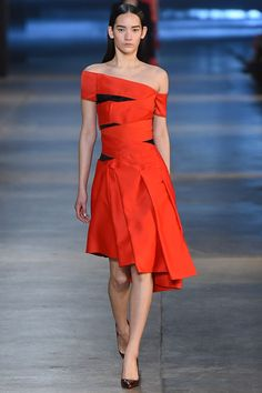 Christopher Kane Fall 2015 Ready-to-Wear #23