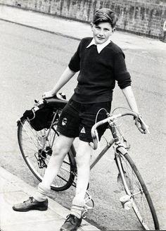 Paul Smith & his bike                          #vintagephotos #oldbikes
