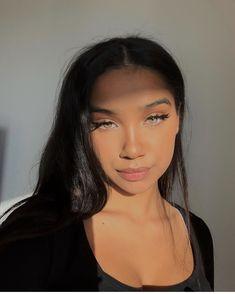 Natural Makeup Looks Natural Eyeshadow Natural Eyeshadow Looks Hairstyles For Gowns, Baddie Hairstyles, Black Girls Hairstyles, Pretty Hairstyles, Skin Makeup, Beauty Makeup, Hair Beauty, Eyeshadow Makeup, Natural Eyeshadow Looks
